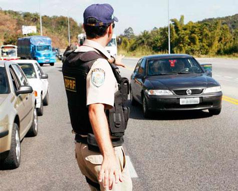 O QUE FAZER AO SER PARADO PELA POLICIA